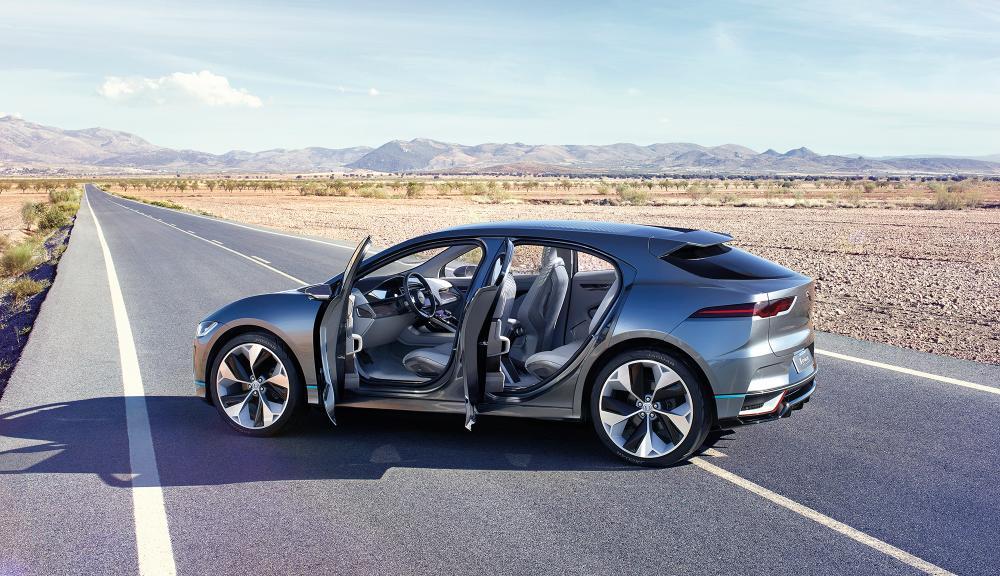 Сегодня в Граце Jaguar представит свой первый электромобиль