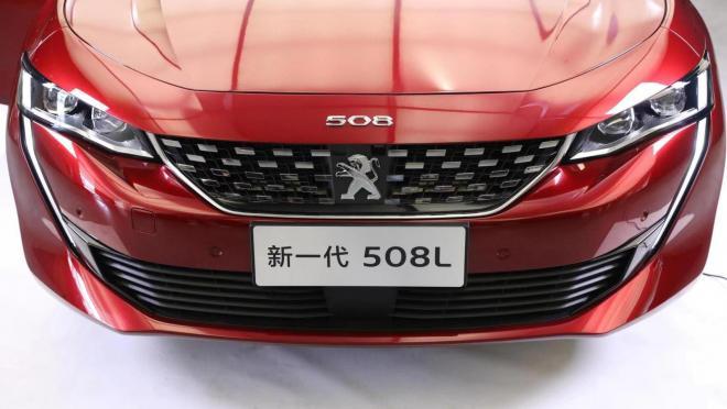 Компания Peugeot для Китая выпустила удлиненный седан 508
