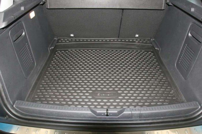 Как выбрать коврик для багажника?