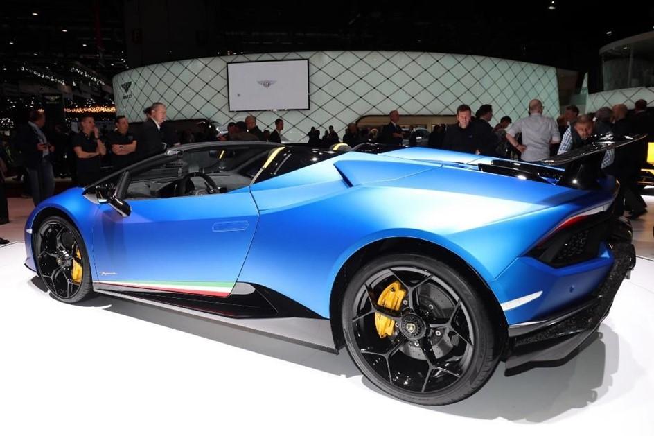 640-сильный суперкар Lamborghini Huracan Spyder представлен в Женеве