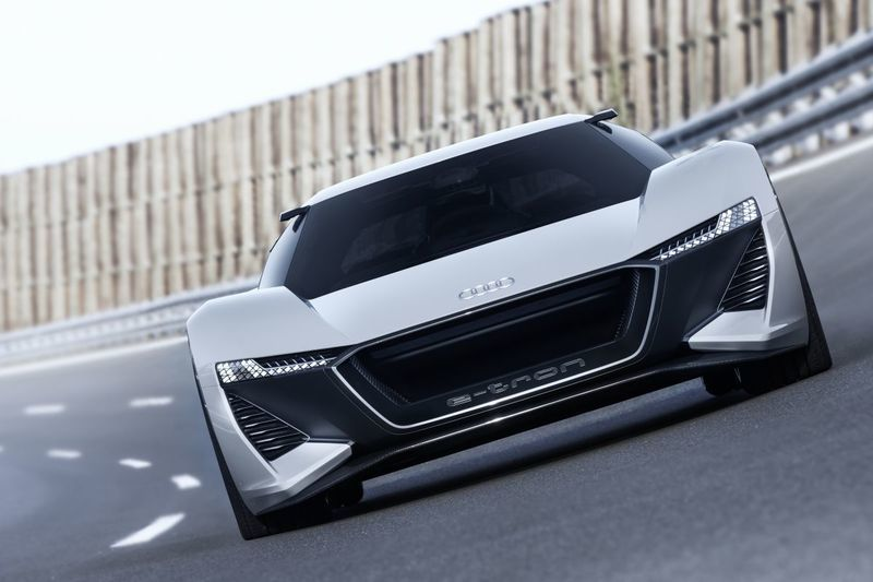 Audi выпустит суперкар на базе концепта Audi P18 E-Tron