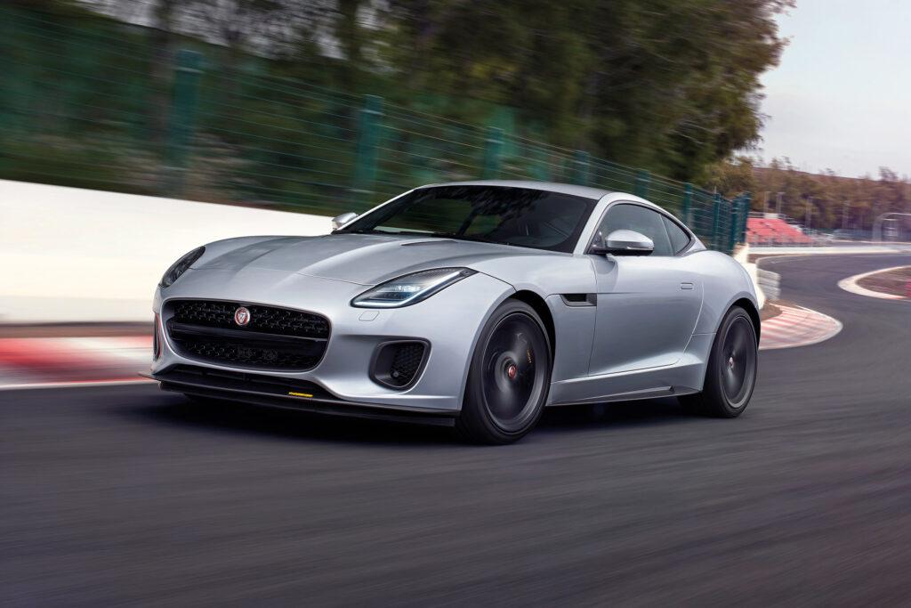 Jaguar в названия спорткаров F-Type добавил мощность моторов