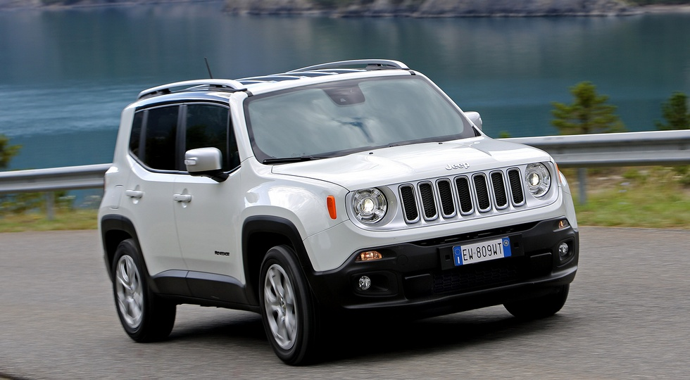 В Сети появились фото обновлённого кроссовера Jeep Renegade