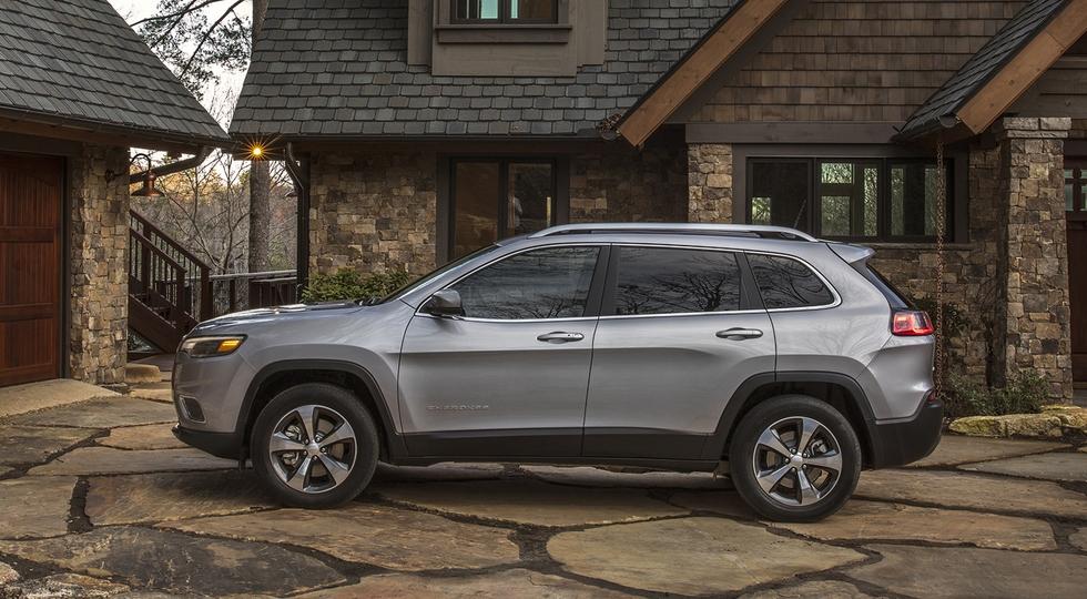 Обновленный кроссовер Jeep Cherokee 2019 получил новый двигатель