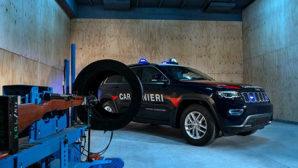 Полиция Италии получила бронированный Jeep Grand Cherokee
