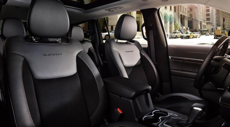 Jeep начала продажи нового семиместного кроссовера Grand Commander