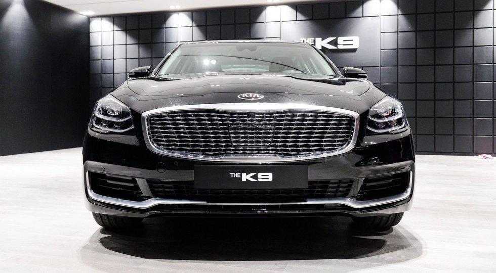 KIA официально представила седан KIA Quoris нового поколения