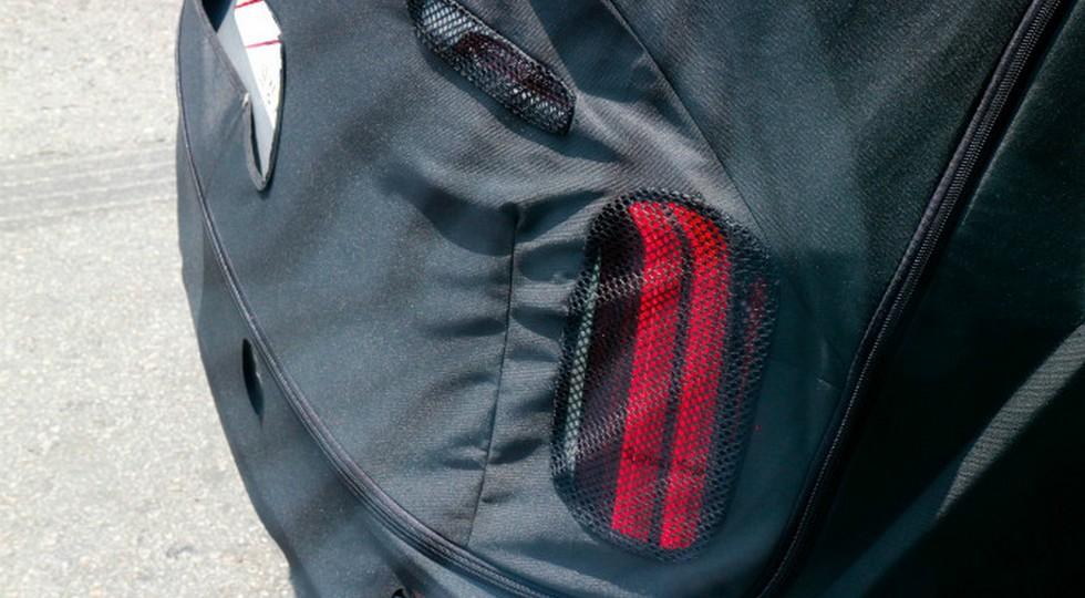 Новый большой кроссовер KIA Telluride начал сбрасывать камуфляж