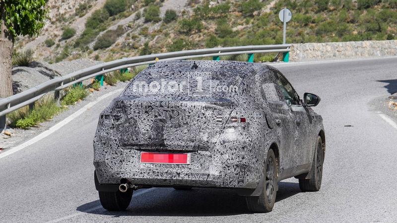 Renault вывела на тесты московский купе-кроссовер