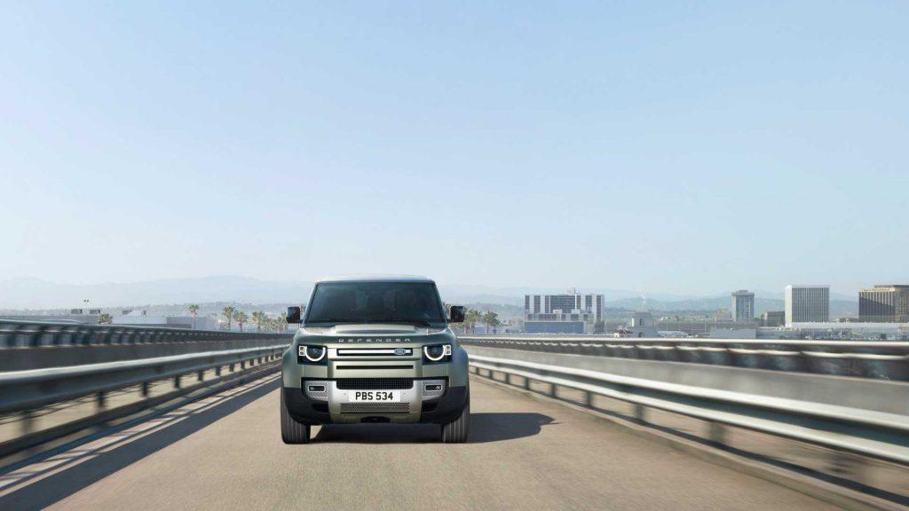 «Заряженный» Land Rover Defender получит 500-сильный мотор BMW