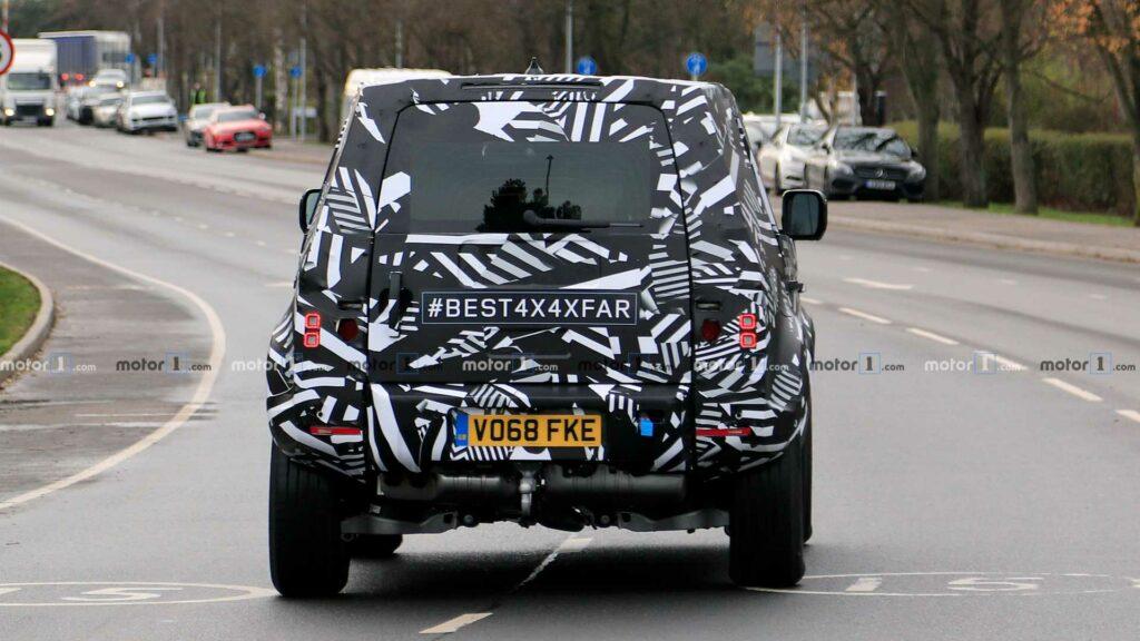 Стали известны новые подробности о внедорожнике Land Rover Defender