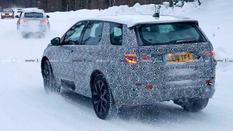 Land Rover вывела на зимние тесты новый Discovery Sport 2020