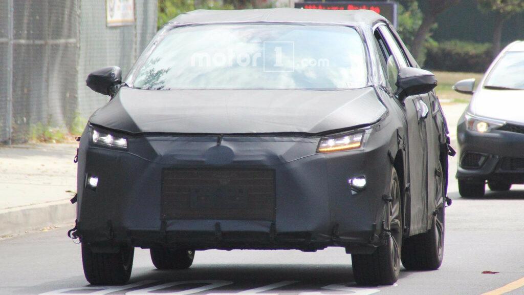 В Токио состоится презентация концепта нового кроссовера Lexus