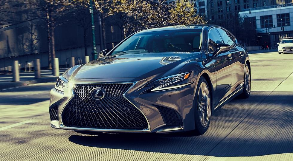 Спрос на флагманский седан Lexus LS оказался выше прогнозов
