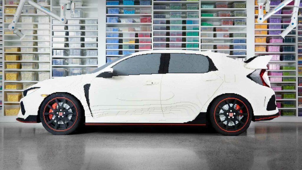 Копию Honda Civic Type R собрали из конструктора Lego