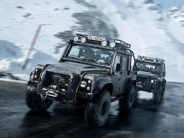 Land Rover Defender Джеймса Бонда продадут на аукционе