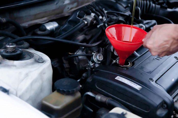 Замена масла в двигателе - где и как это сделать в Минске?