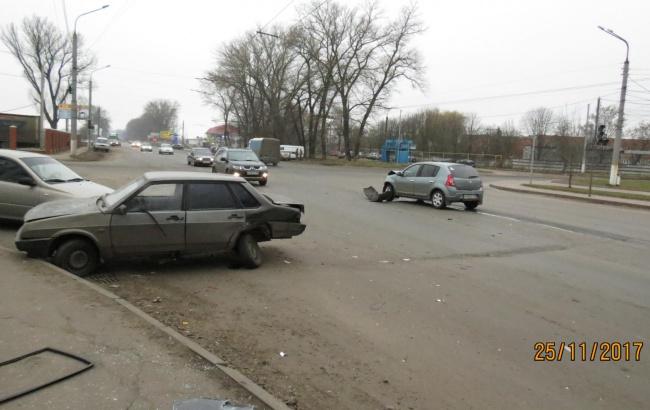 21-летний водитель «ВАЗа» пострадал в ДТП с Рено Сандеро в Курске