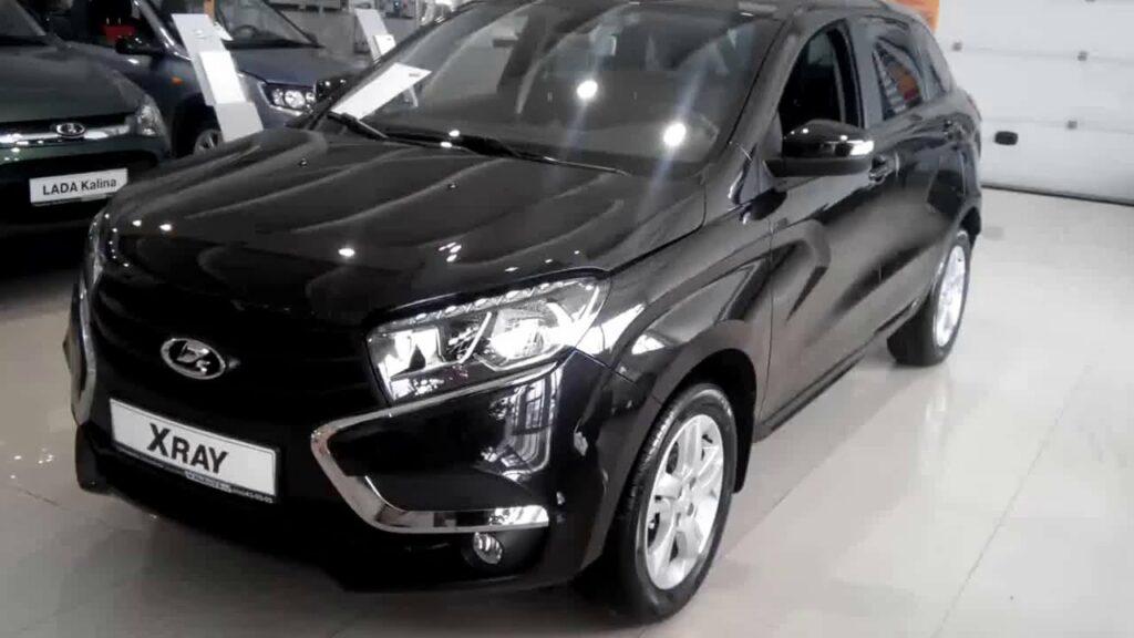 Продажи модели LADA XRAY в России падают второй месяц подряд