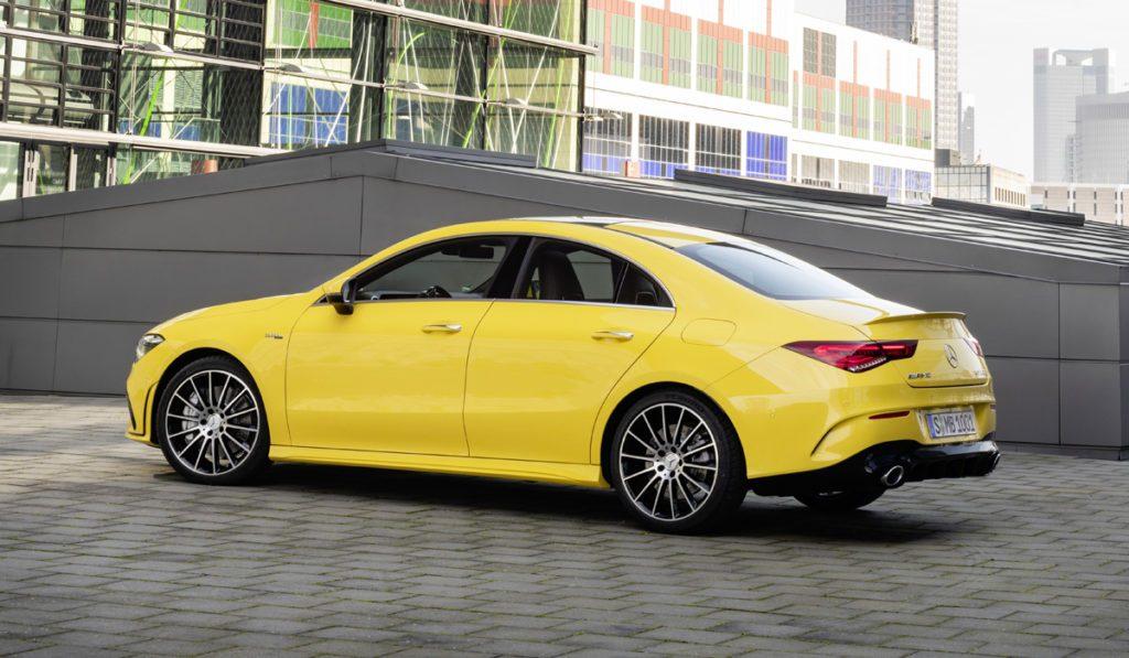Mercedes-Benz предложил новые модификации CLA в России