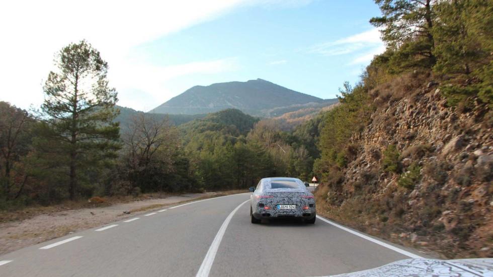Появились официальные изображения нового Mercedes-AMG GT Coupe