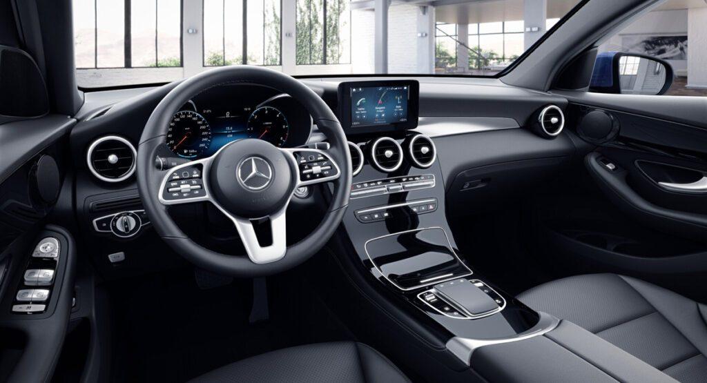 Названа стоимость обновленного Mercedes-Benz GLC Coupe для России
