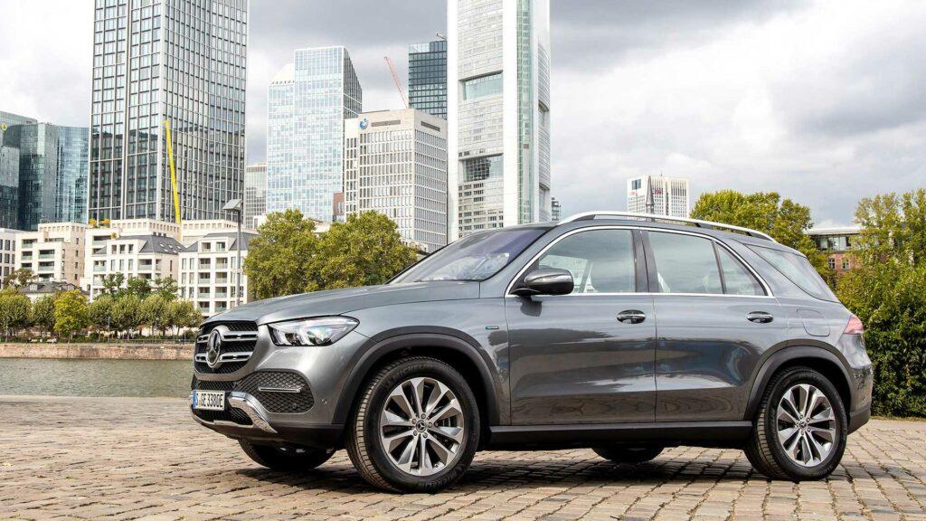 Внедорожник Mercedes-Benz GLE стал 320-сильным гибридом