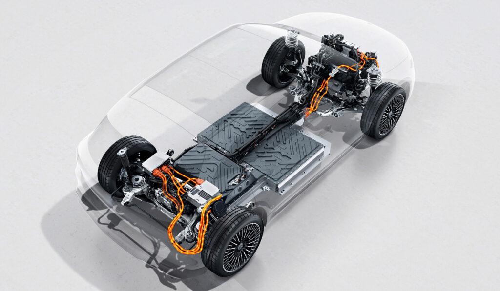 Полноприводный Mercedes-Benz EQA был представлен в Европе
