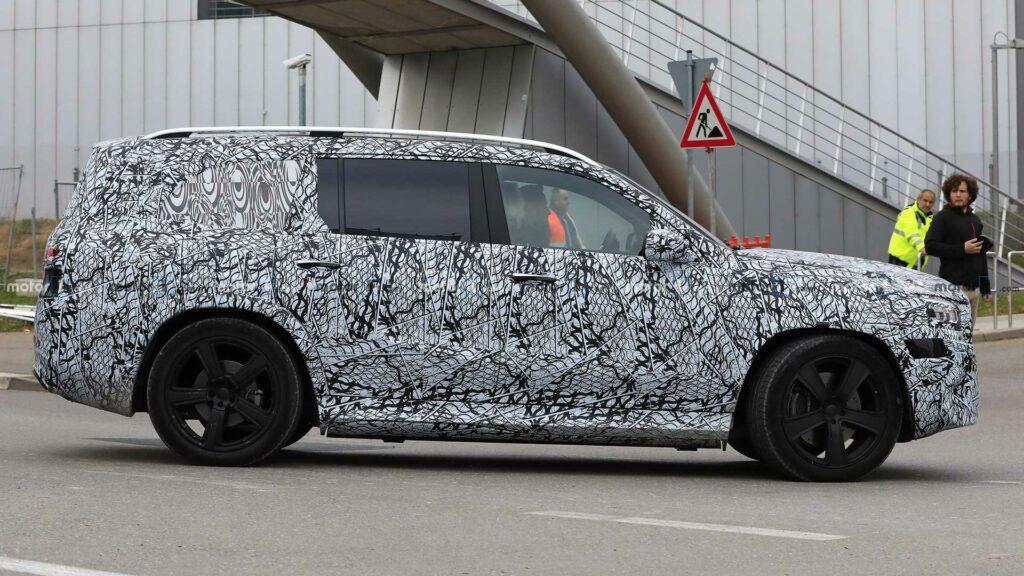 Новый внедорожник Mercedes-Maybach доберется до России
