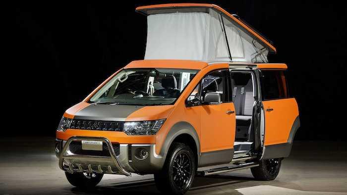 Минивэн Mitsubishi Delica превратили в жилой фургон на колесах