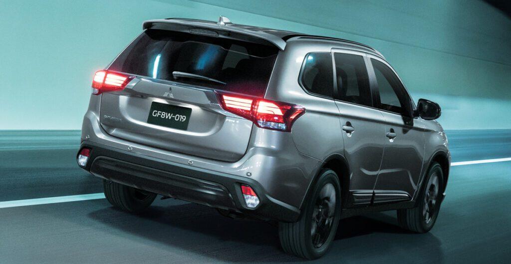 Компания Mitsubishi представила версии Black Edition для трех моделей