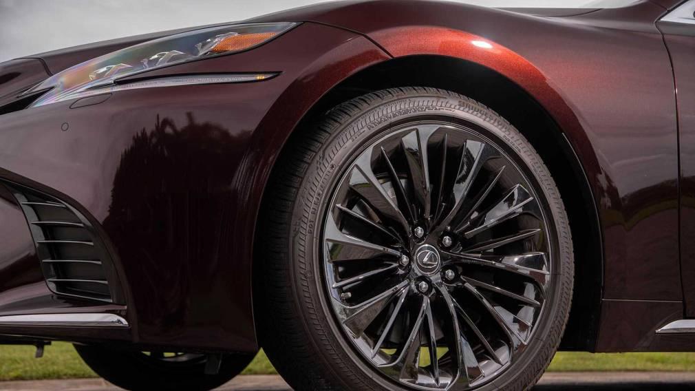 Lexus LS получил лимитированную версию LS Inspiration Series
