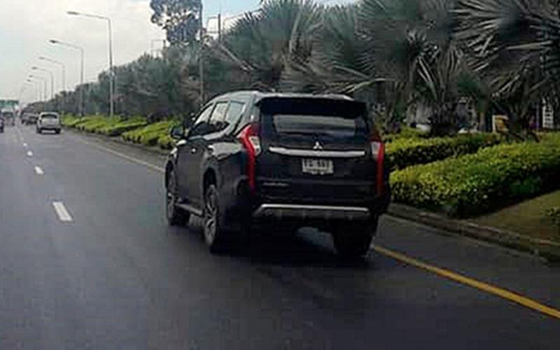 В Сеть попали шпионские фото нового кроссовера Mitsubishi Pajero Sport