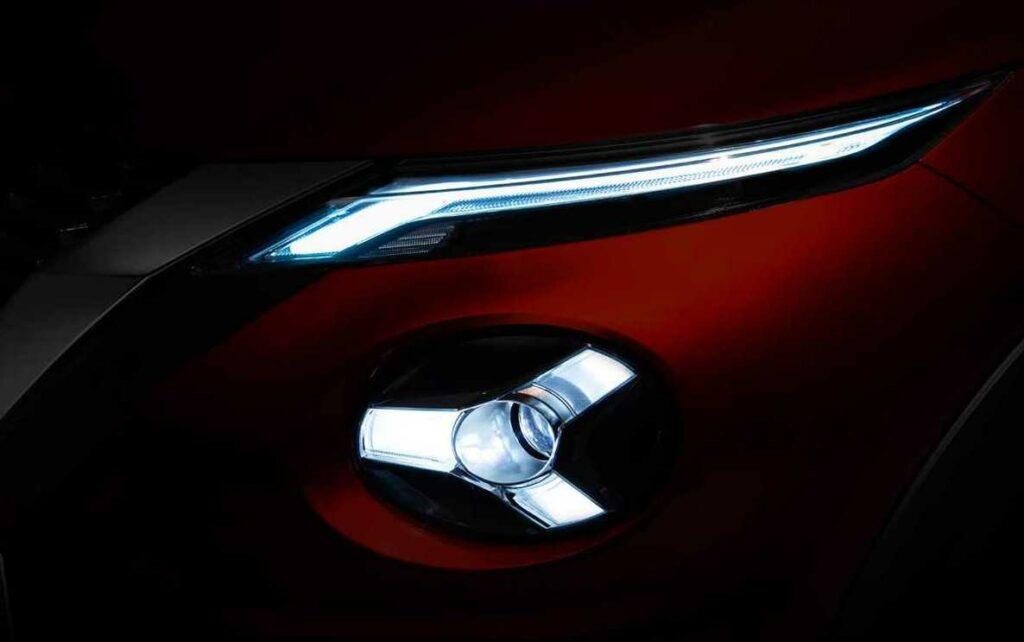 Nissan показал первый тизер нового кросса Juke