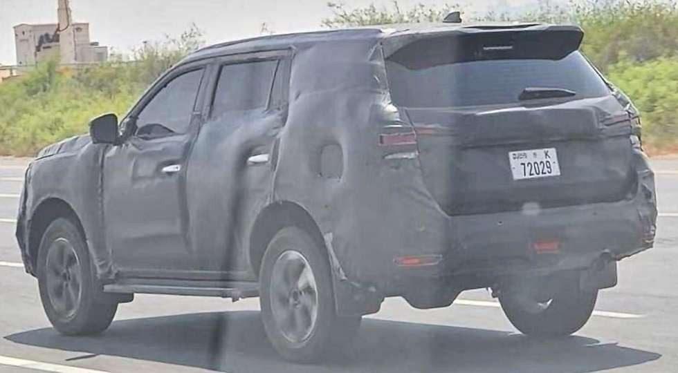 Nissan вывел на тесты рестайлинговый Nissan Terra
