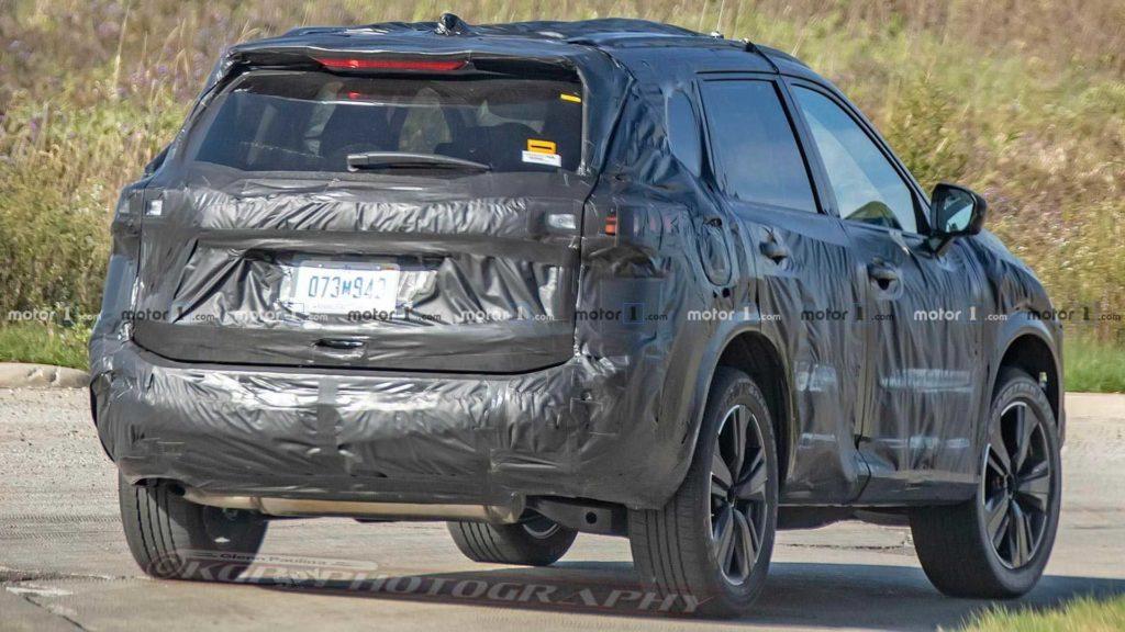 Опубликовали первые снимки Nissan X-Trail нового поколения