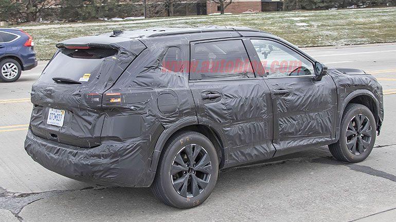 Новый Nissan X-Trail сфотографировали во время тестов