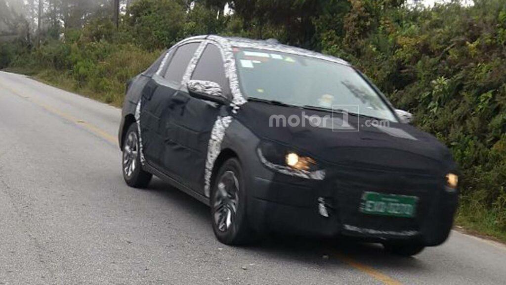 Chevrolet вывела на тесты седан Cobalt нового поколения