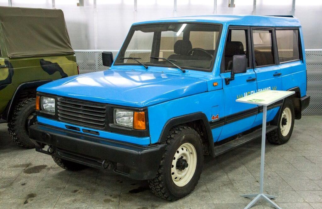 Таинственный внедорожник УАЗ-3172 показали в Сети