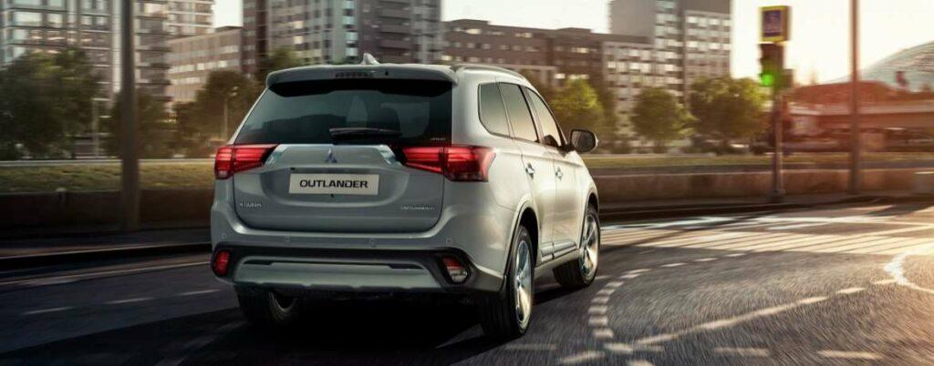 В РФ стартовало производство обновленного кроссовера Mitsubishi Outlander