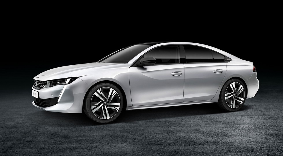 Новое поколение лифтбека Peugeot 508 получит удлиненную версию