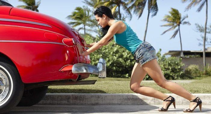 Что должен предпринять водитель, когда его машина сломалась в дороге?