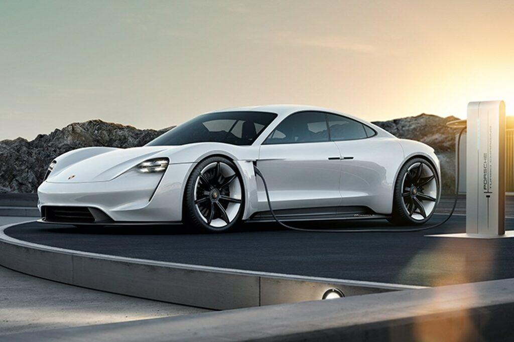 Потребность в ремонте с помощью нейросетей определит Porsche
