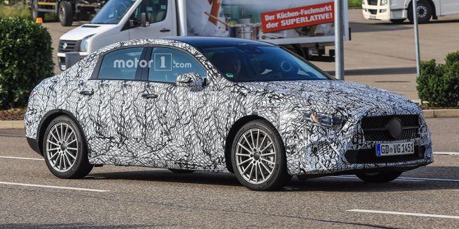 Седан Mercedes-Benz A-Class впервые заметили на тестах