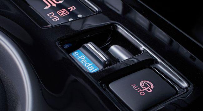 """Nissan представил новое поколение электромобиля """"Leaf"""""""