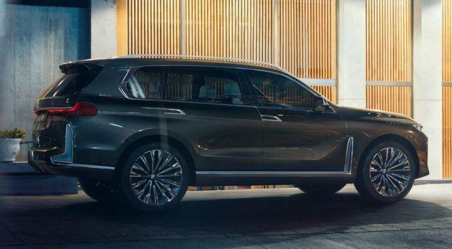 В Сети показали новый флагманский кроссовер BMW X7