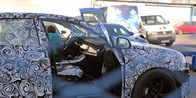 Первые снимки салона нового большого Audi Q8 опубликованы в Сети