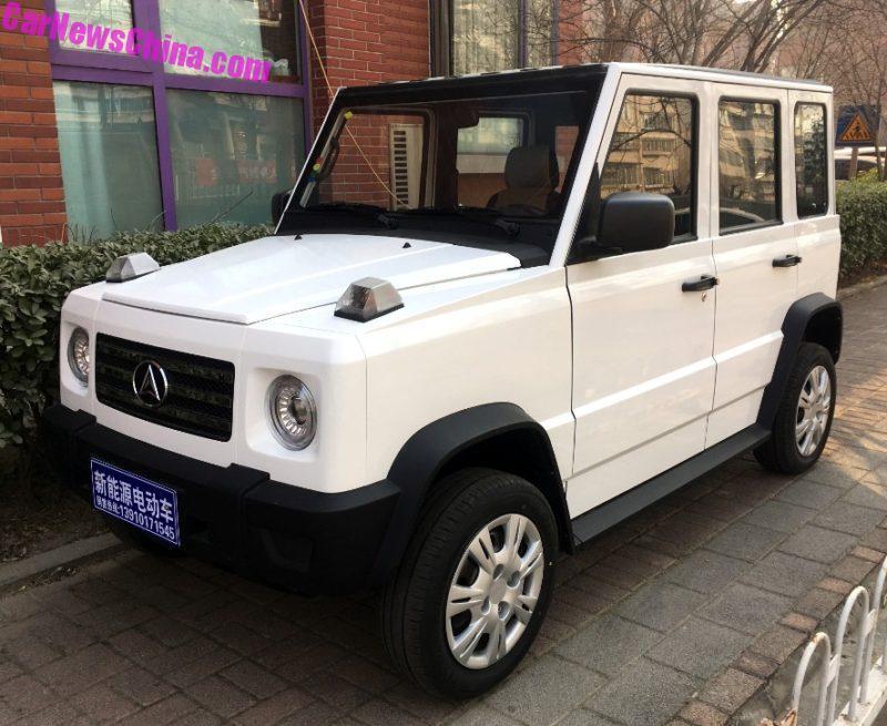 В Китае представлен электрический клон Mercedes G-Class