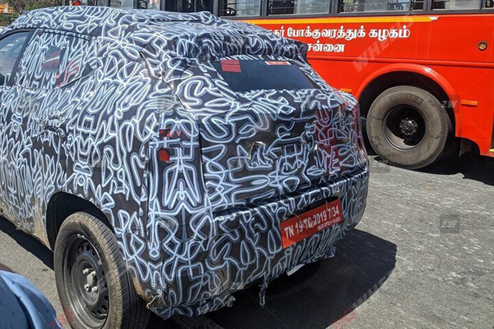 Бюджетный кроссовер от Renault замечен на тестах
