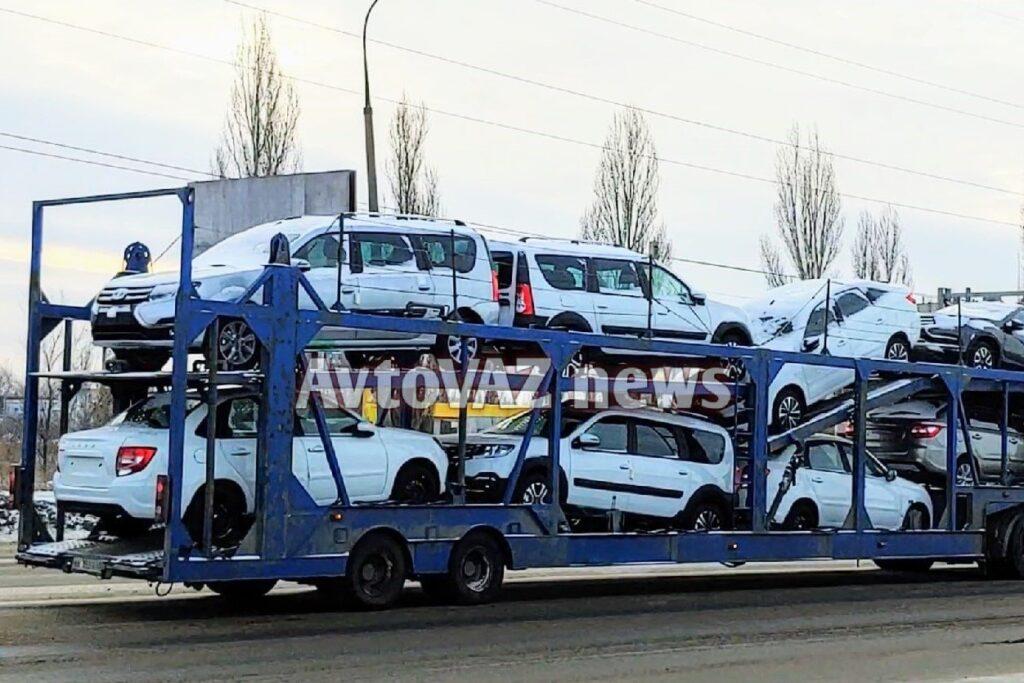 Первые экземпляры обновленного Lada Largus FL уже отправили к дилерам